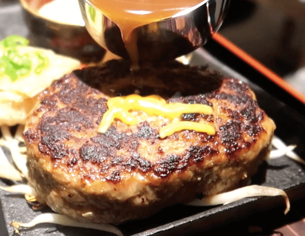 Cheesy-Hamburg-at-Teppanyaki-Hamburg-Nihonbashi-Keisuke-Bettei