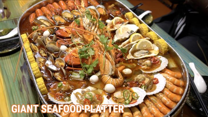 huge-seafood-platter