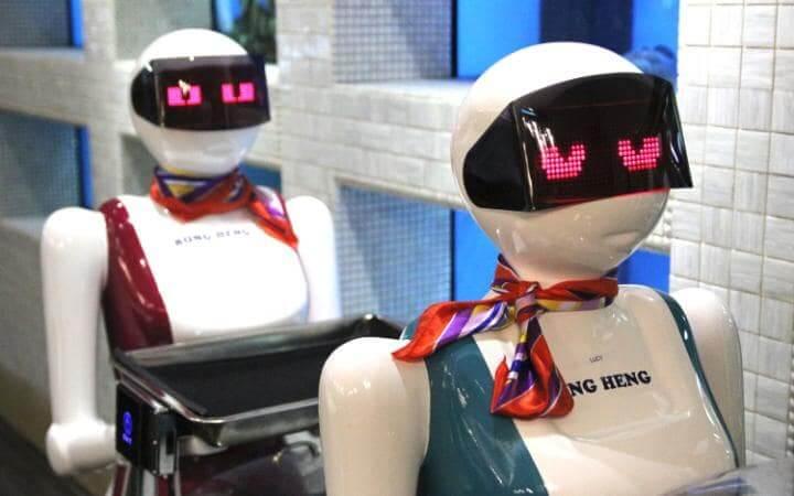 robots-singapore-travel-large